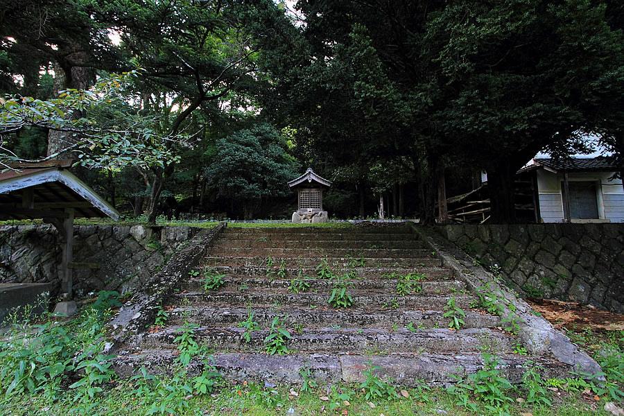 投稿者:前畑洋平さん<br>コメント:山神様が祭られていた神社跡。神子畑が鉱山であった証の一つだ。